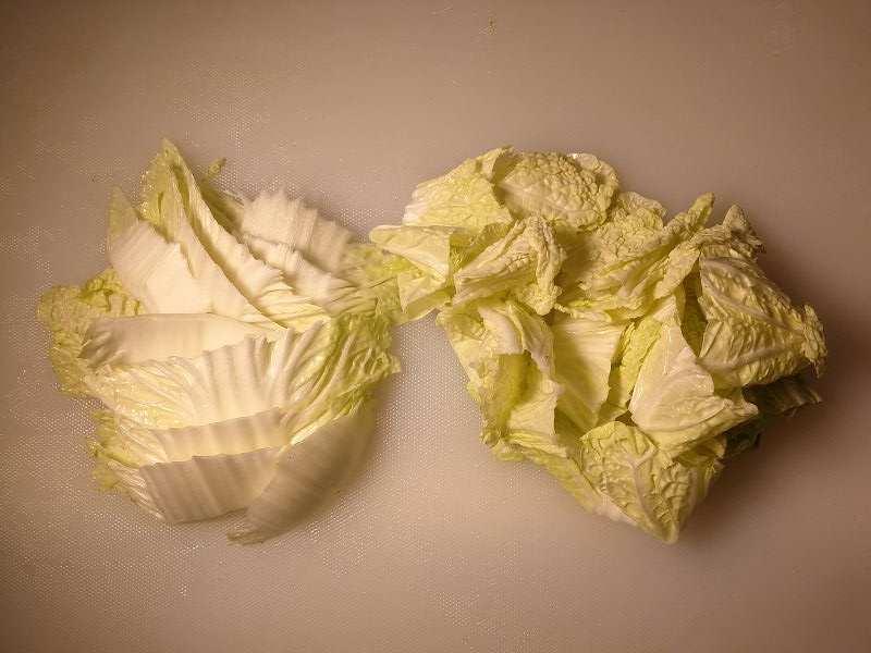 白菜は葉元と根本で分ける